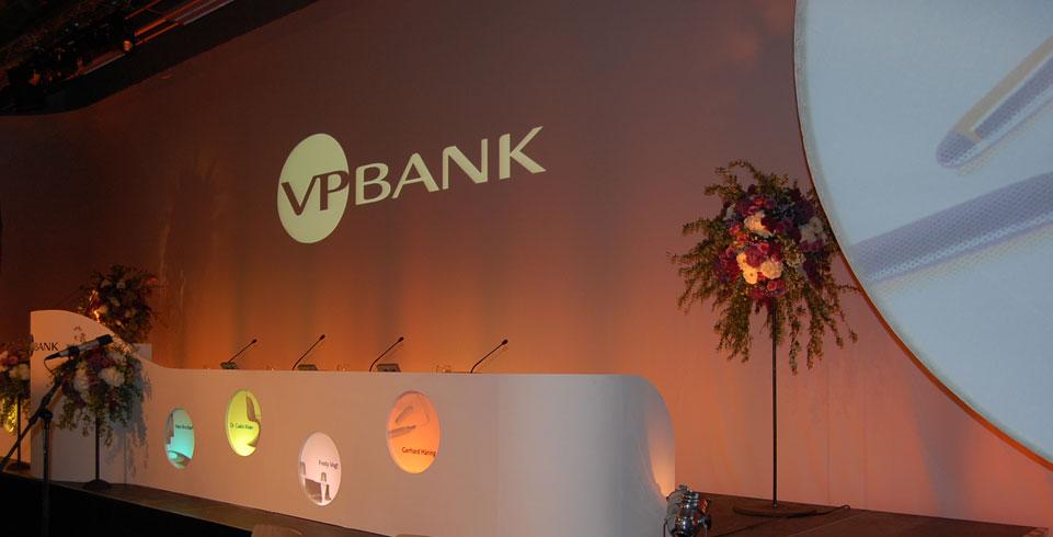 Corporate Diskussionsanlage mit Mikrofonen bei der VP Bank Generalversammlung