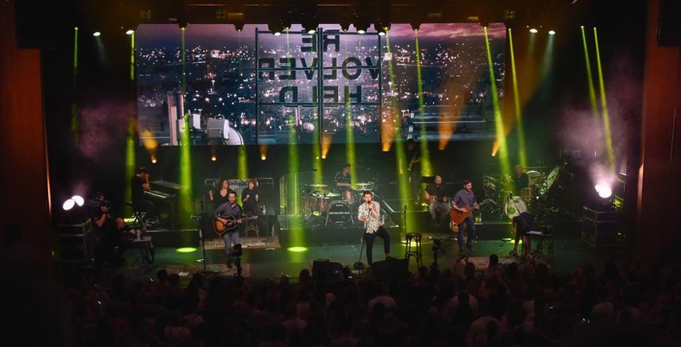 Revolverheld auf der Bühne beim FL1 LIFE 2016