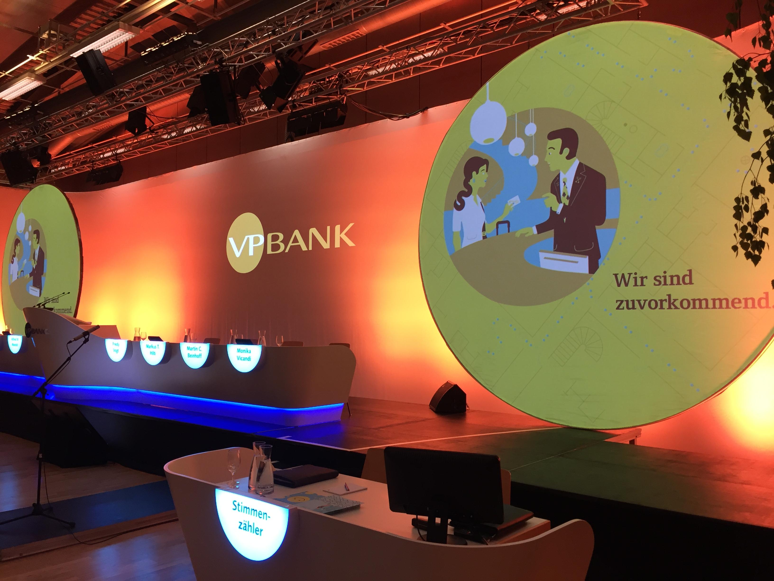 moderne Bühne im VP Bank Corporate Design