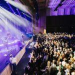 Bühne mit Publikum am Fl1 LIFE Konzert in Schaan 2019