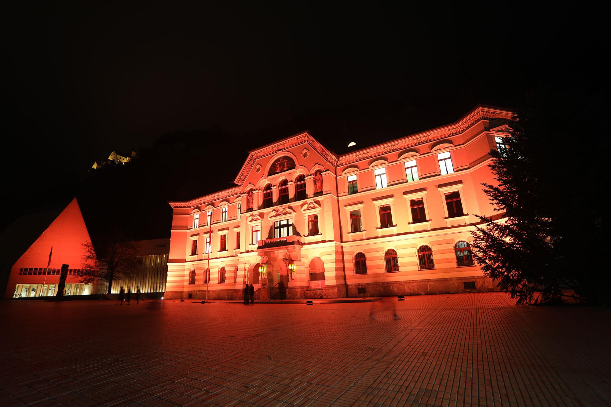 Fassadenbeleuchtung Regierungsgebäude Vaduz