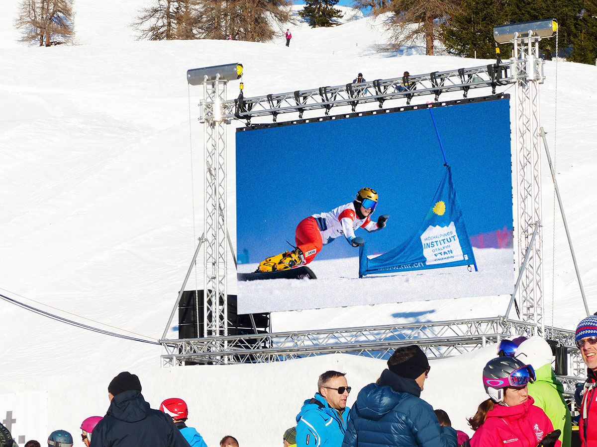 LED Wand am FIS Snowboard Weltcup in Scuol 2020