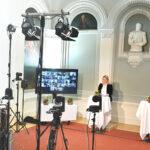 Kulturministerin Katrin Eggenberger und Moderator Mathias Ospelt moderieren die Online-Preisverleihung